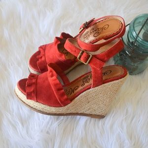 NWOT red suede wedges